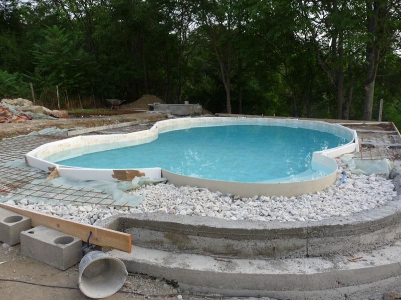 La dalle notre piscine waterair c line 09 for Piscine 08